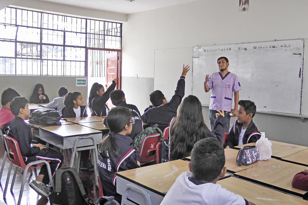 EDUVIDA realiza taller para escolares de la IE. Francisco Bolognesi de Magdalena