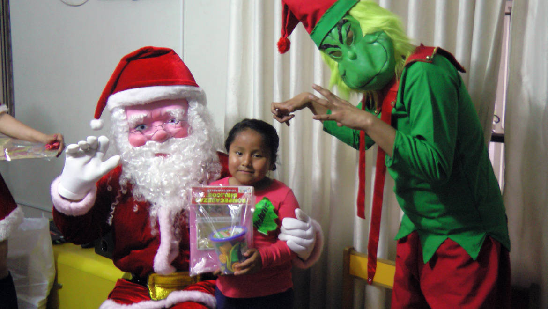EDUCLÍNICA realiza chocolatada navideña